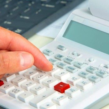 Differences between a Bookkeeper and Accountant